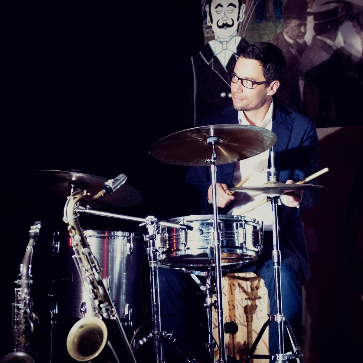 Max I. Milian, Komponist, Film, Theater, München, Salzburg, Composer, Germany, Austria, Bühnenmusik, Theater, FIlm, Livemusik, Jazz
